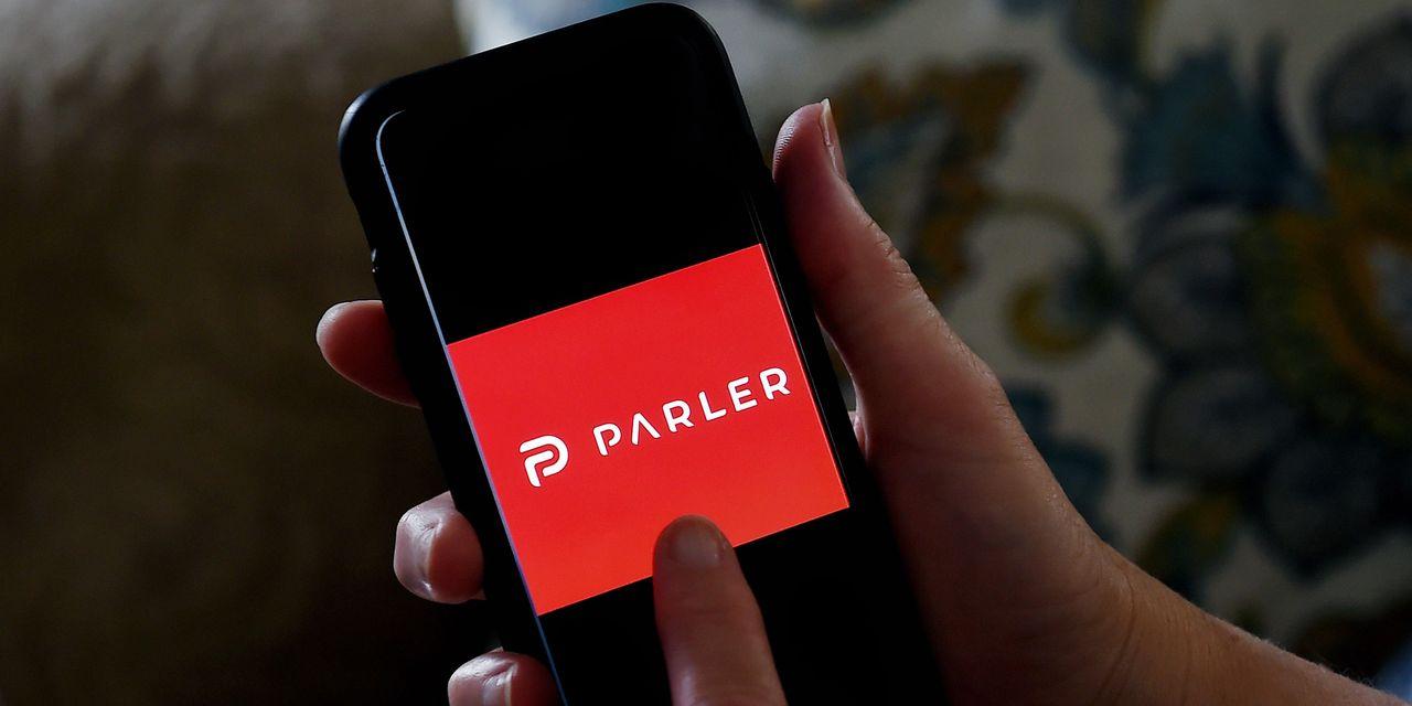 شركة Apple و Amazon Move to Marginalize Parler