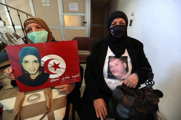 تونس: اعتصام أهالي جرحى الثورة - سياسة - أنسامد