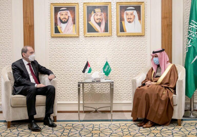 وزير الخارجية السعودي يستقبل نظيره الأردني في الرياض