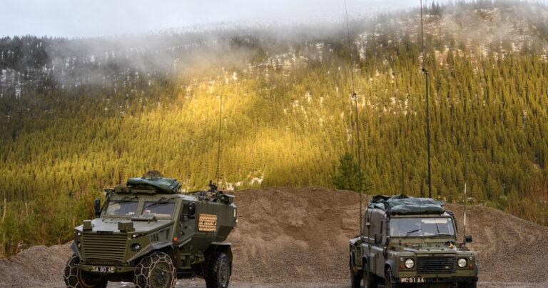100 مركبة مدرعة من بريطانيا إلى لبنان لتعزيز الاستقرار على الحدود