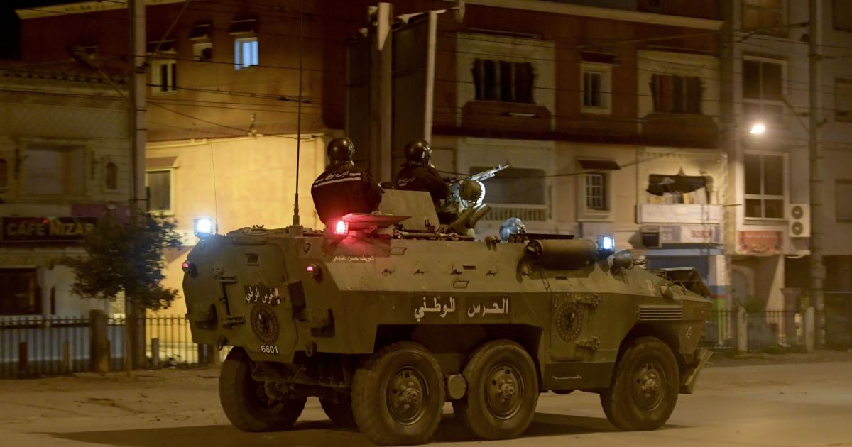 تونس تنشر الجيش للمساعدة في قمع الاضطرابات المستمرة منذ أيام
