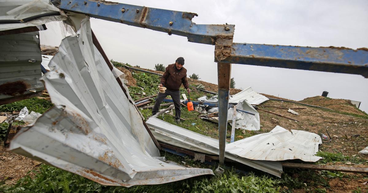 الطائرات الحربية الاسرائيلية تستهدف قطاع غزة.  ولم ترد انباء عن وقوع اصابات