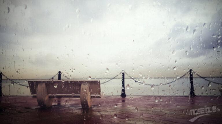 طقس الإثنين: سحب وأمطار ورياح قوية