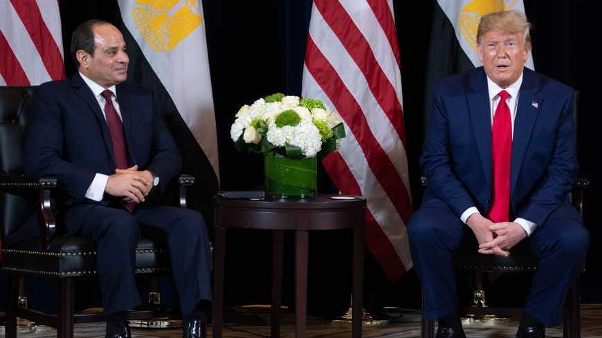 تتجنب مصر غضب ترامب بينما يأمر البيت الأبيض بقطع مساعدات ضخمة في اللحظة الأخيرة