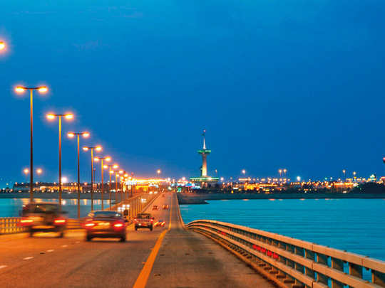 البحرين تتنازل عن شرط اختبار PCR الإلزامي لركاب جسر الملك فهد