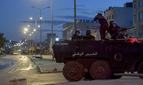 بالصور: تونس تعتقل أكثر من 600 وتنشر قواتها بعد أعمال شغب - منطقة - عالمية