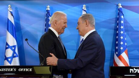 ينقض القائم بأعمال السفير الأمريكي لدى إسرائيل `` عن غير قصد '' سياسة فلسطين في عهد ترامب عند السيطرة على حساب تويتر الرسمي