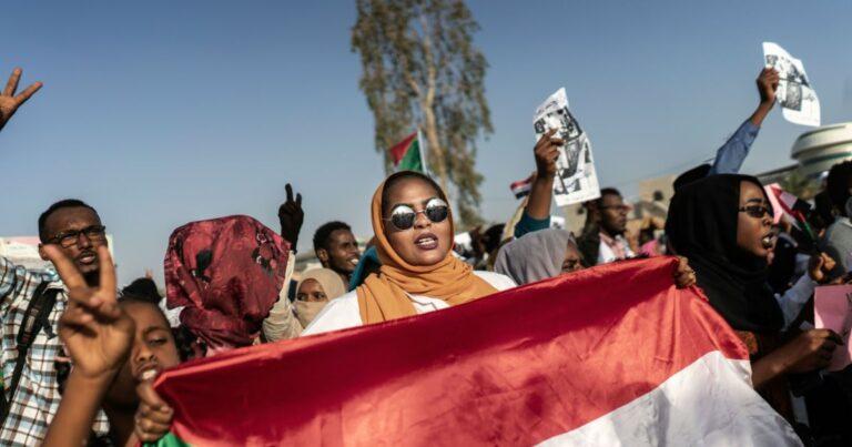 """صندوق النقد الدولي يعمل """"بشكل مكثف للغاية"""" مع السودان لتخفيف أعباء الديون"""