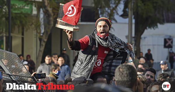 المتظاهرون التونسيون يحيون هتافات الربيع العربي وأعمال الشغب مستمرة