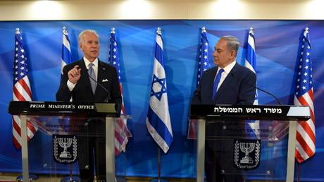 """قال رئيس الوزراء الإسرائيلي نتنياهو إنه أجرى مكالمة """"ودية ودافئة"""" مع الرئيس الأمريكي بايدن"""